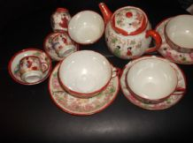 VINTAGE ORIENTAL CHINA TEAPOT CUPS & SAUCERS LOT RUST OCHRE RIM BOLD HANDPAINT